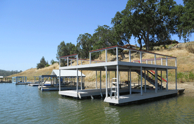photo of residential boat docks on Nacimiento reservoir