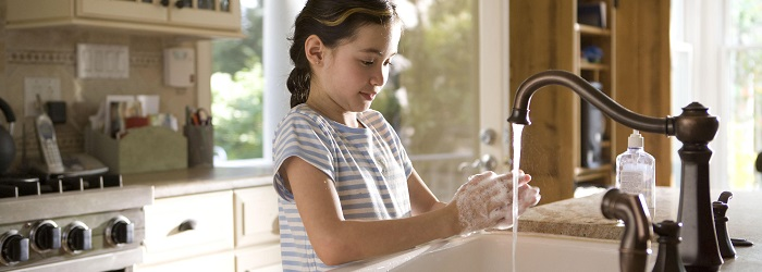 girl_washing_hands_700x250